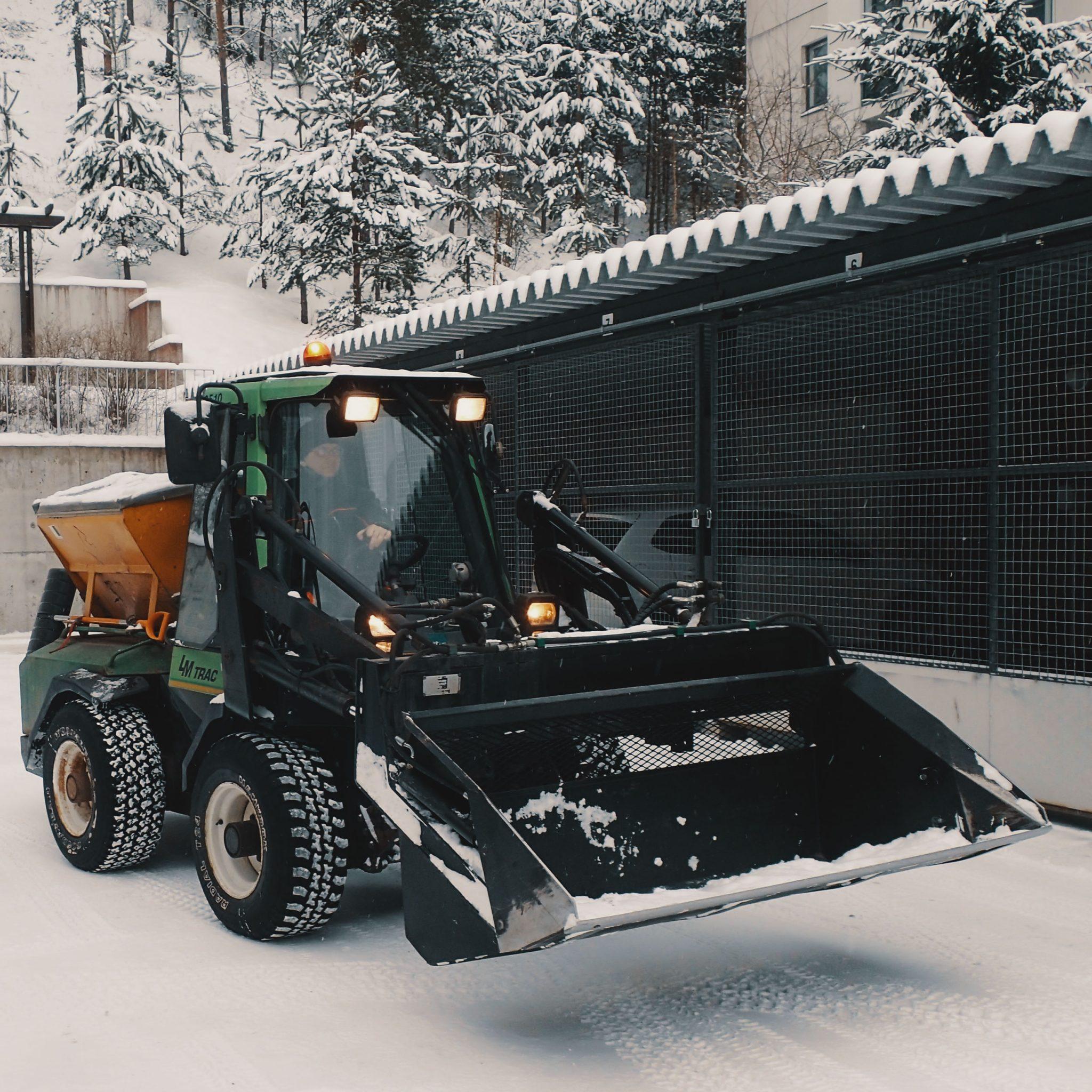 Ulkoalueidenhoito - MANSER OY - Kiinteistöhuoltoa ja siivouspalveluja - Lahti & Hollola.